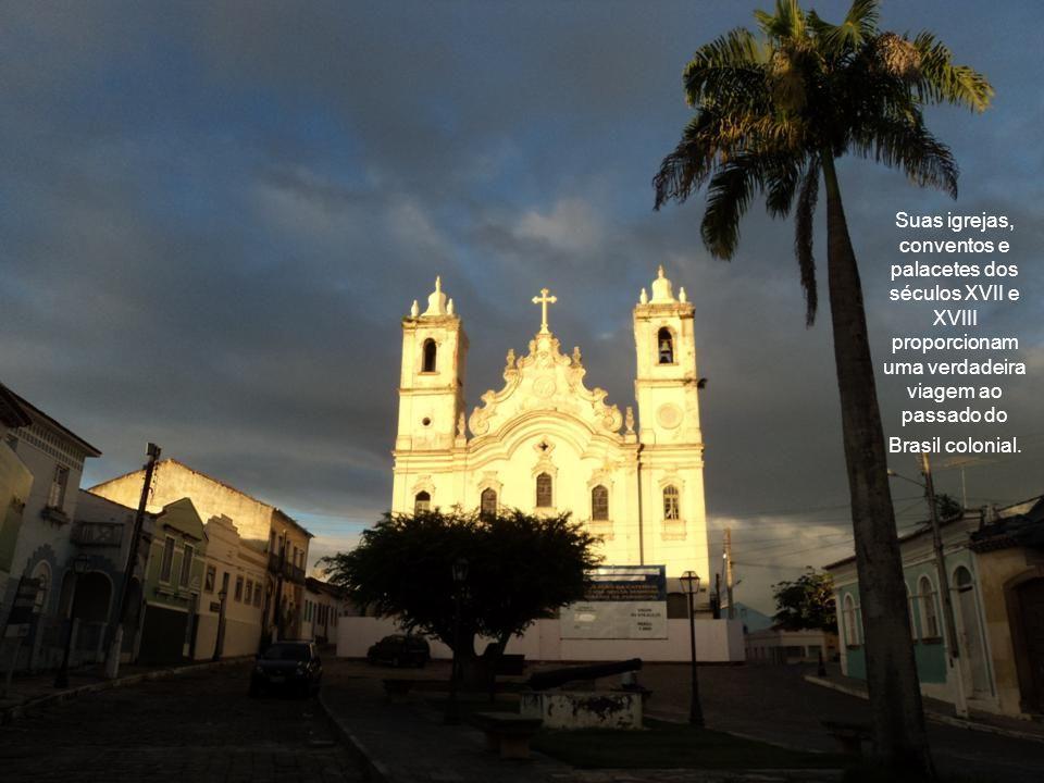 A cidade de Penedo é uma parada agradável pra qualquer navegante. Ela fica no estado de Alagoas e é considerada a Ouro Preto do nordeste. Com direito