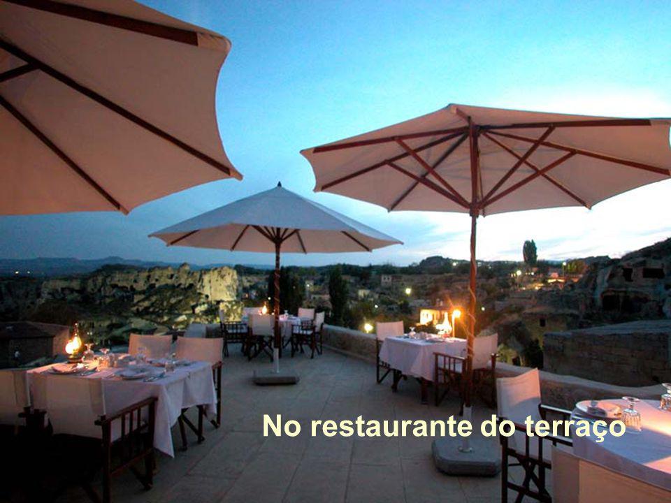 No restaurante do terraço
