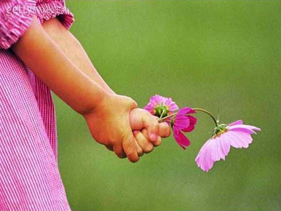 Enquanto houver mães na terra, Deus estará abençoando o homem com a oportunidade de alcançar a meta da perfeição que lhe cabe porque a mãe é a mão que