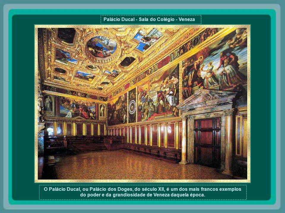 Monastério Rilski - Bulgária O Monastério, que está localizado no coração de Rila, a 119km de Sofia, foi fundado no século X por Santo Ivan Rilski. In