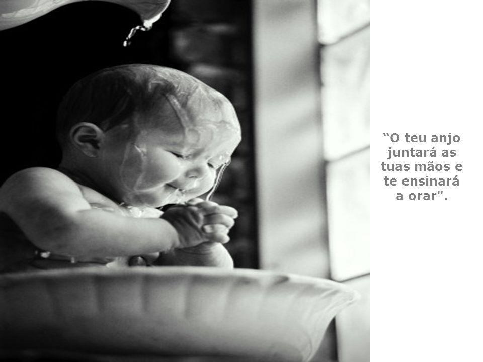 Deus sorriu para a criança dizendo,
