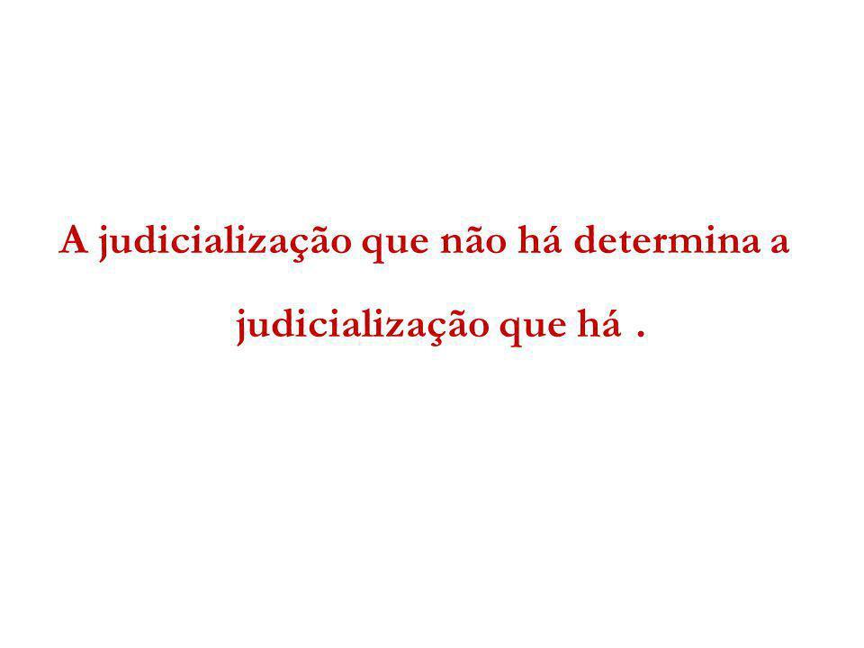 até o final da década de 80, a legislação brasileira traduzia predominância de modelos de proteção prioritariamente à sociedade e à família do portador de distúrbio mental e não a ele próprio a visão higienista na saúde mental a inflexão trazida na LF 10.216/01 não alterou completamente essa tendência