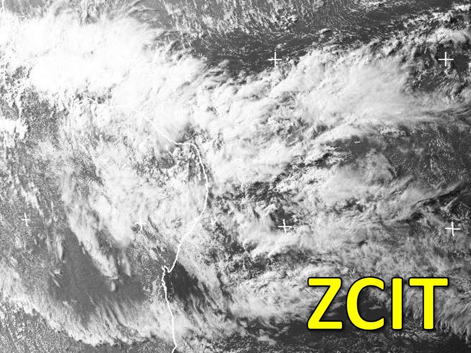 ZCIT - Características É uma zona de convergência dos ventos Alísios de NE com os de SE na região equatorial Localizada no ramo ascendente da célula de Hadley - transfere calor e umidade dos níveis inferiores da atmosfera das regiões tropicais para os níveis superiores da troposfera e para médias e altas latitudes Assemelha-se a um cinturão de atividade convectiva, onde espalham-se nuvens de grande desenvolvimento vertical (Cb) Estas nuvens agrupam-se, também em formação denominada aglomerados A propagação destes aglomerados se dá de leste para oeste