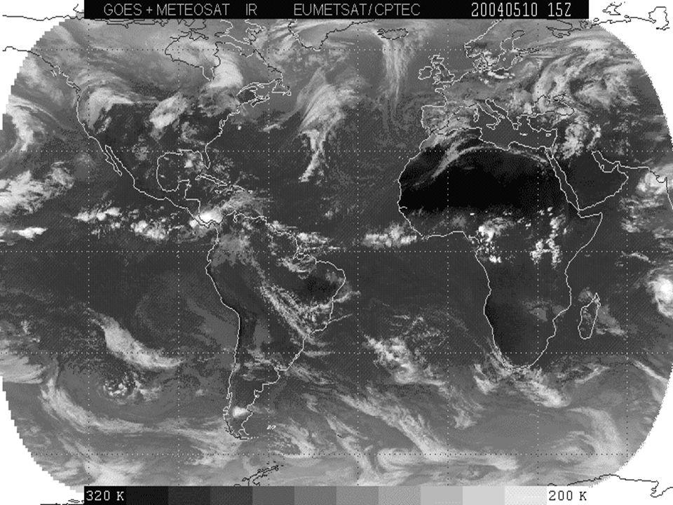 A ZCIT está inserida numa região onde ocorre a interação de características marcantes atmosféricas e oceânicas: Zona de confluência dos Alísios (ZCA); Zona do cavado equatorial; Zona de máxima temperatura da superfície do mar; Zona de máxima convergência de massa; Zona da banda de máxima cobertura de nuvens convectivas Apesar dessa interação, as características não se apresentam, necessariamente, ao mesmo tempo, sobre a mesma latitude