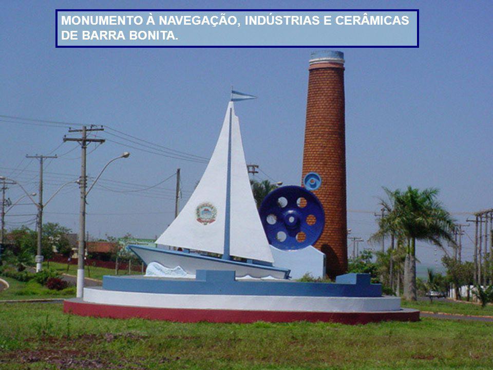 BARRA BONITA fica a 300 kms de S.Paulo. Vive do turismo, da cerâmica, do artesanato e da cultura da cana de acúcar.