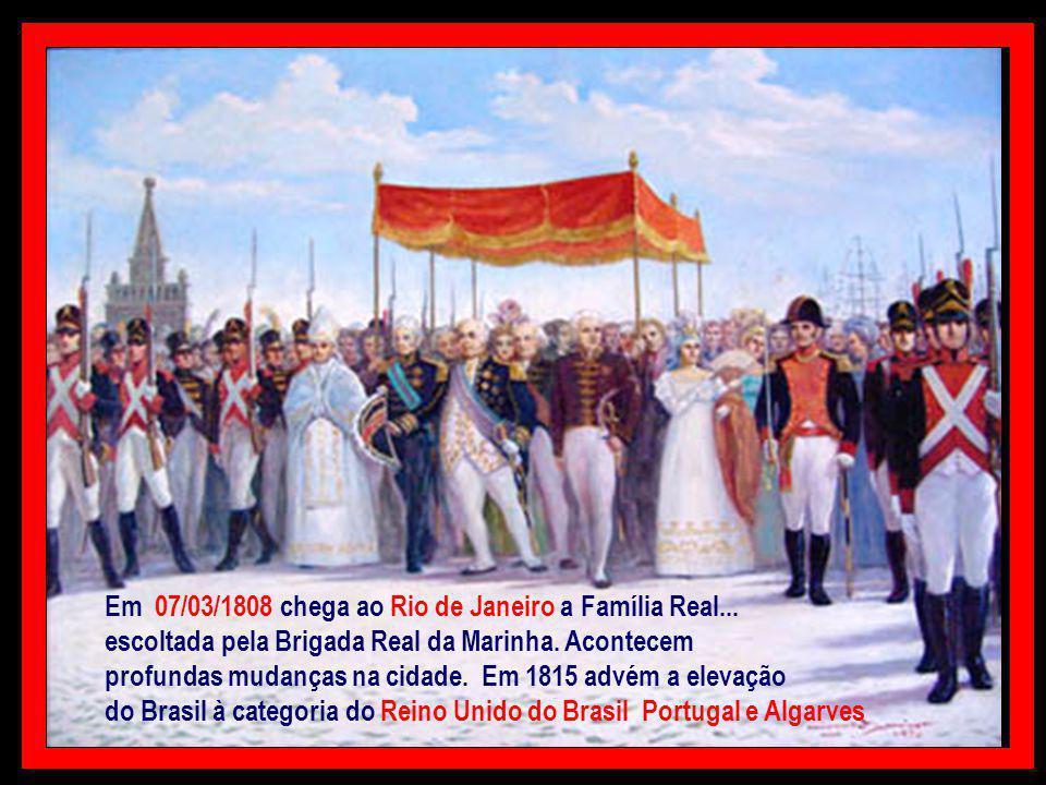 Insatisfeito com a decisão portuguesa... Napoleão determinou que o Exército Francês... invadisse Portugal Toda a corte... incluindo o príncipe regente