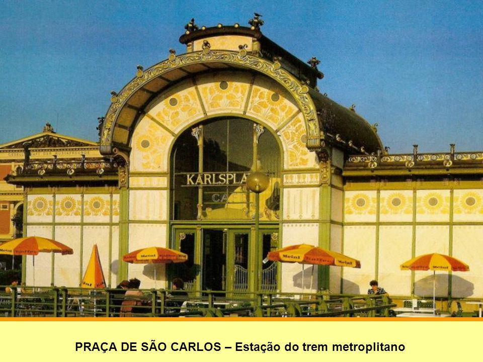 IGREJA DE SÃO CARLOS BORROMEU – Construída entre 1716-1738,como agradecimento pela extinção da peste de 1713