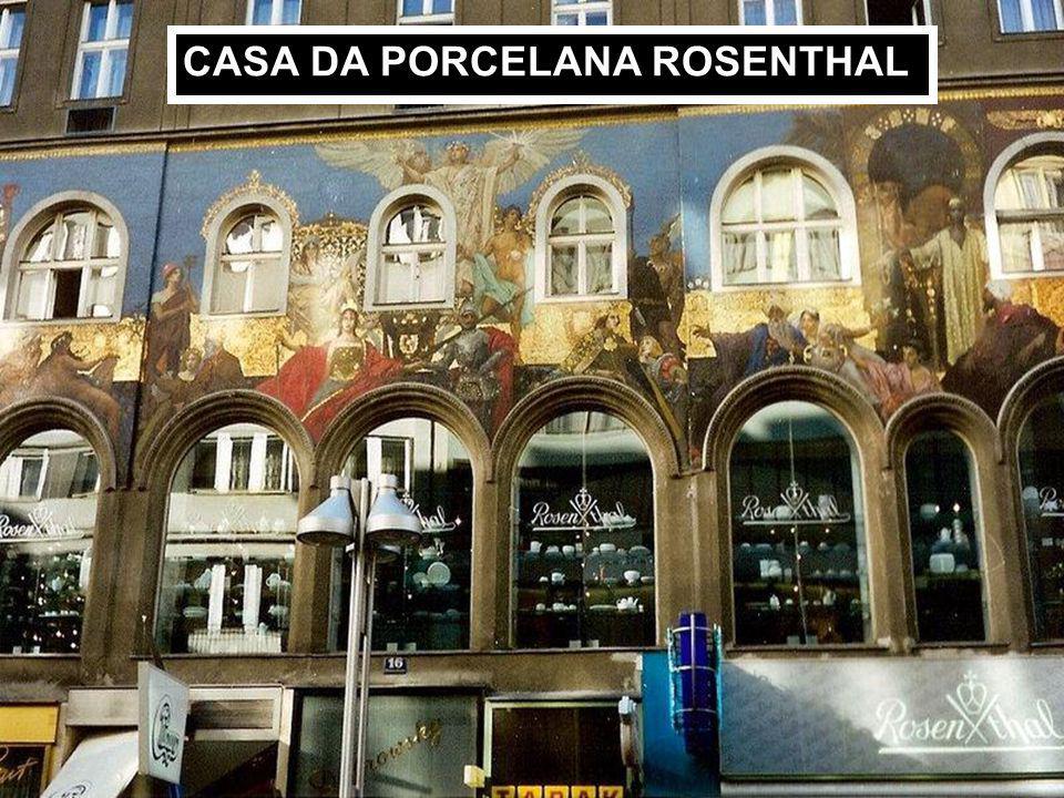 Conjunto de habitações populares Palácio Auersperg – Característico exemplo de arquitetura barroca da nobreza austríaca.