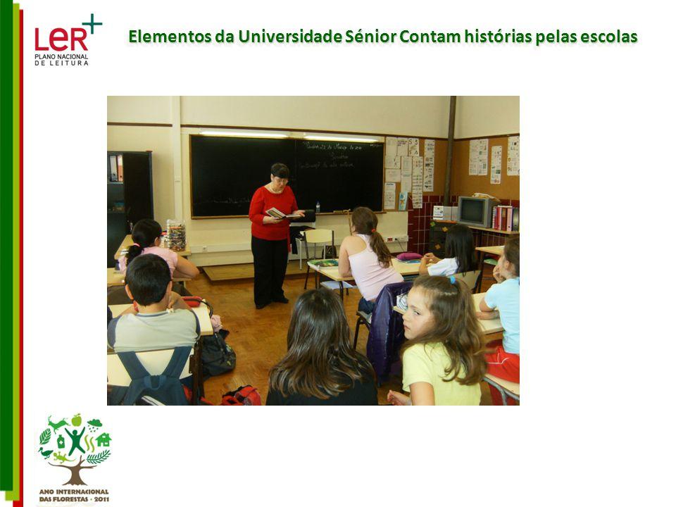 Elementos da Universidade Sénior Contam histórias pelas escolas