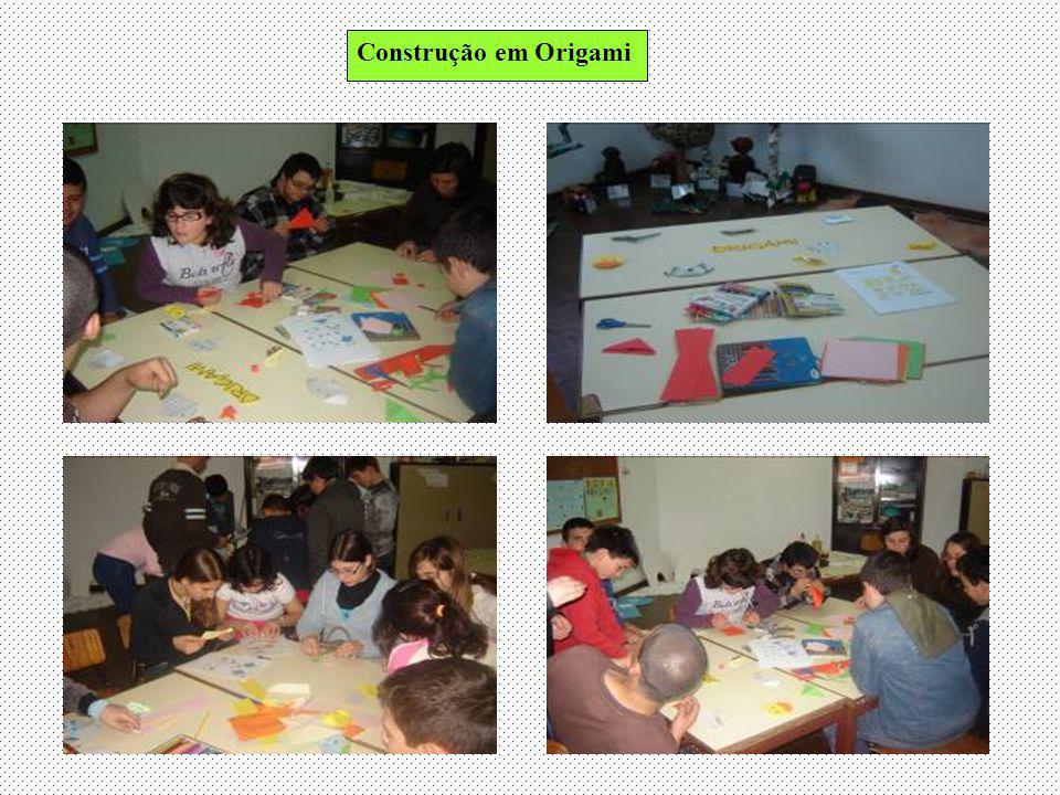 Puzzles de animais, para desenvolver o raciocínio e estratégia dos alunos Os segredos do corpo e actividades matemáticas também estavam presentes na outra sala destinada ao 2º ciclo.