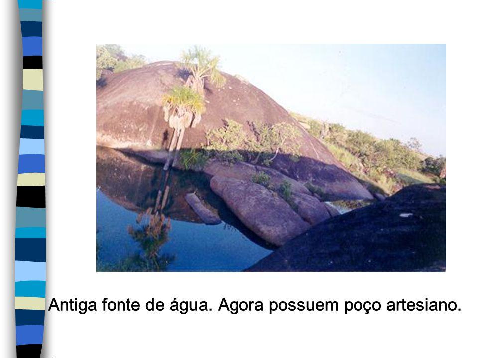 Antiga fonte de água. Agora possuem poço artesiano.