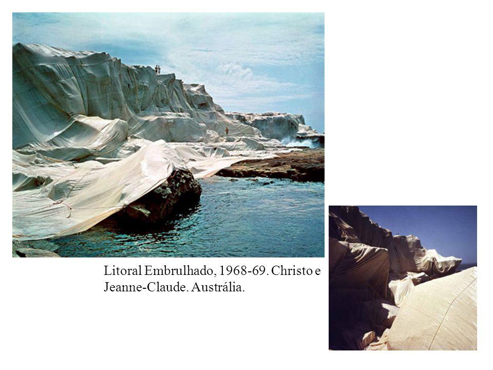 Litoral Embrulhado, 1968-69. Christo e Jeanne-Claude. Austrália.