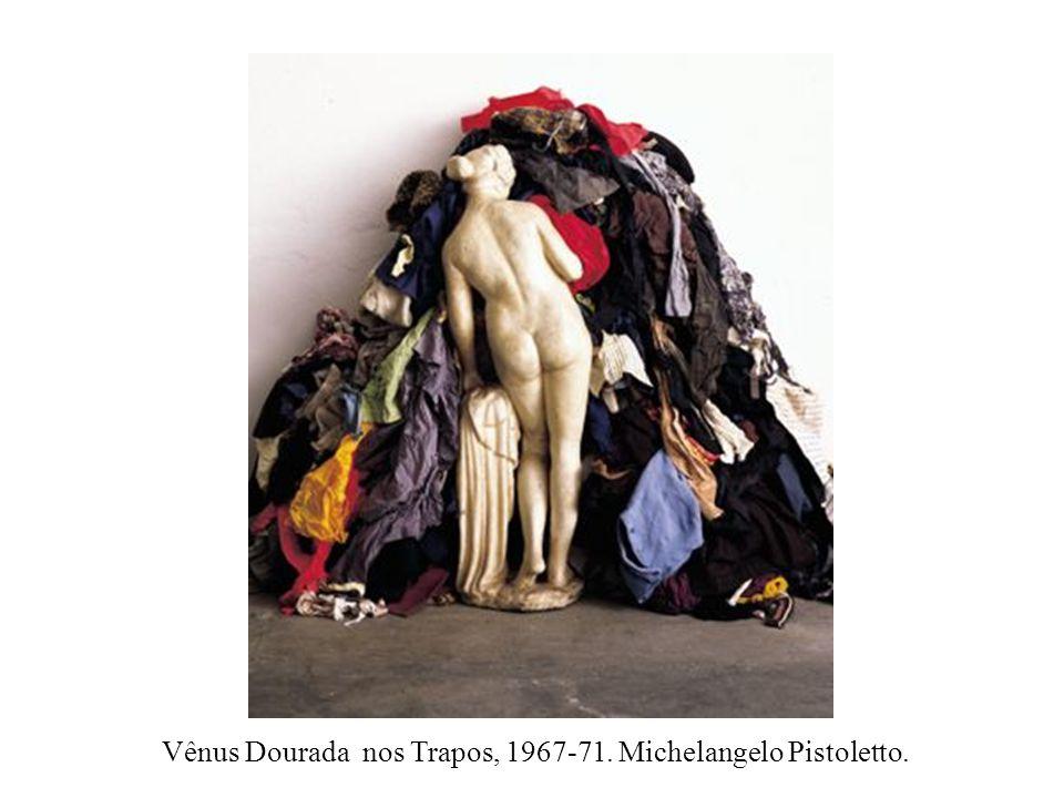 Vênus Dourada nos Trapos, 1967-71. Michelangelo Pistoletto.