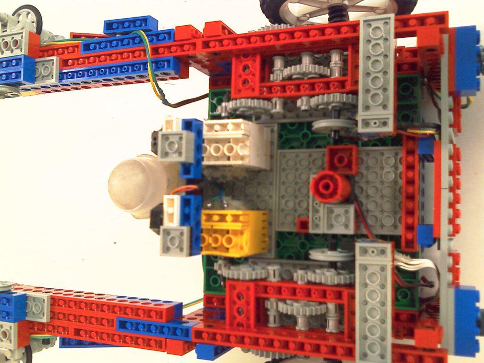 Arquitetura robótica híbrida: Noções do ambiente no qual está inserido e também orientação por sensores de toque.
