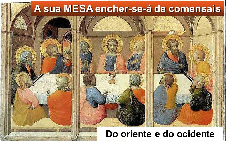 Então, Jesus tomou os pães, de graças e distri- buiu-os aos que estavam sentados, fazendo o mes- mo com os peixes; e co- meram quanto quiseram.