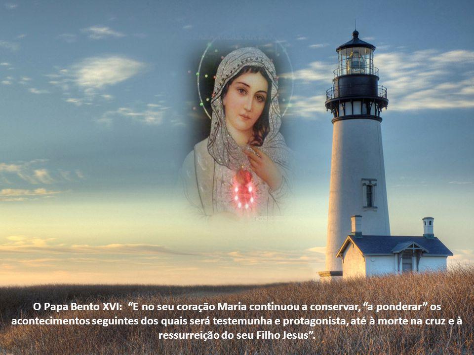 Sabe que mediante o amor e o sacrifício colaborará com Ele na obra da Redenção.