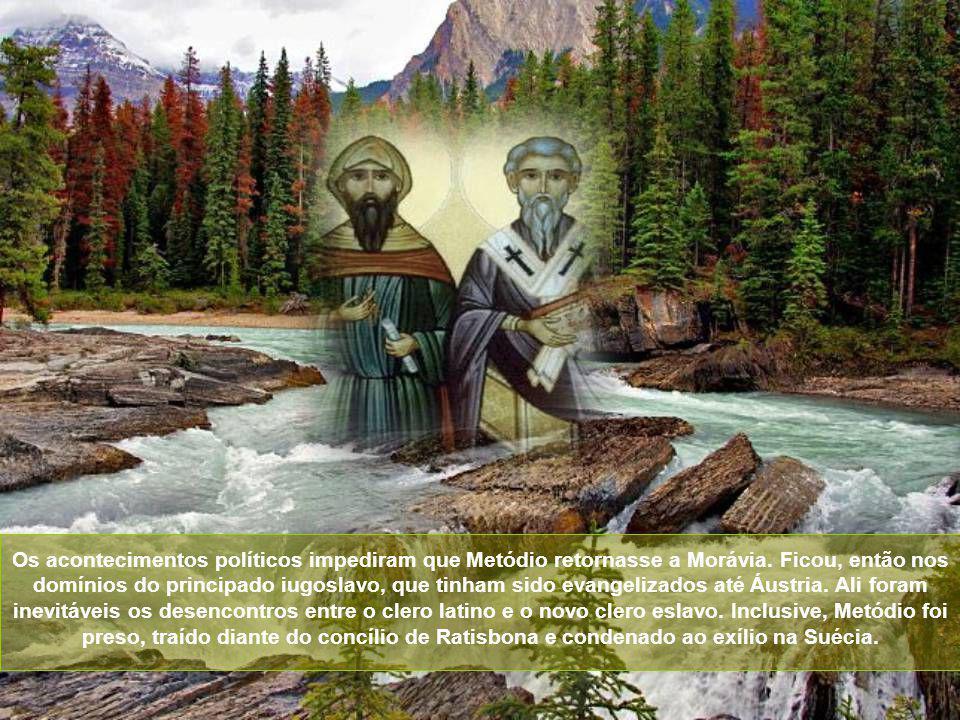 Metódio foi ordenado sacerdote pelo papa Adriano II em 868 e, depois da cerimônia do sepultamento do irmão, foi nomeado delegado apostólico, consagrad