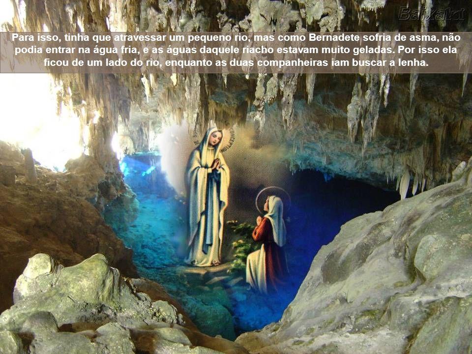 Em 11 de fevereiro de 1858, na vila francesa de Lourdes, às margens do rio Gave, nossa Mãe, Santa Maria manifestou de maneira direta e próxima seu pro