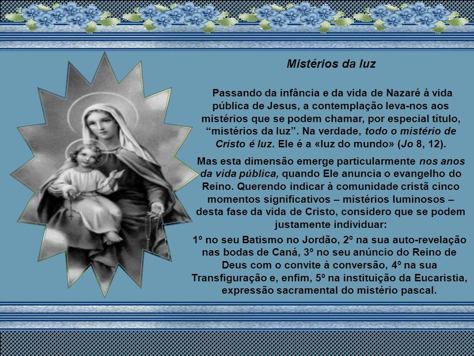«Alegra-te, Maria». Para este anúncio se encaminha a história da salvação, e até, de certo modo, a história do mundo. De fato, se o desígnio do Pai é