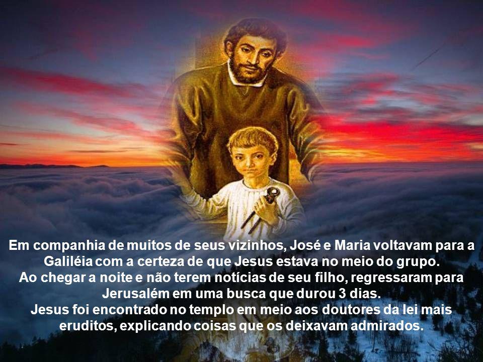 José, Maria e Jesus fugiram para o Egito e permaneceram lá até que um anjo avisasse da morte de Herodes.