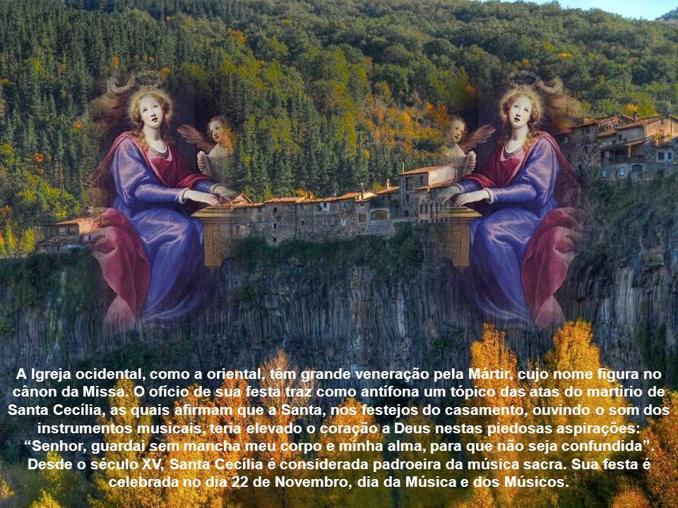 O esquife foi achado em um ataúde de mármore e depositado no altar de Santa Cecília .