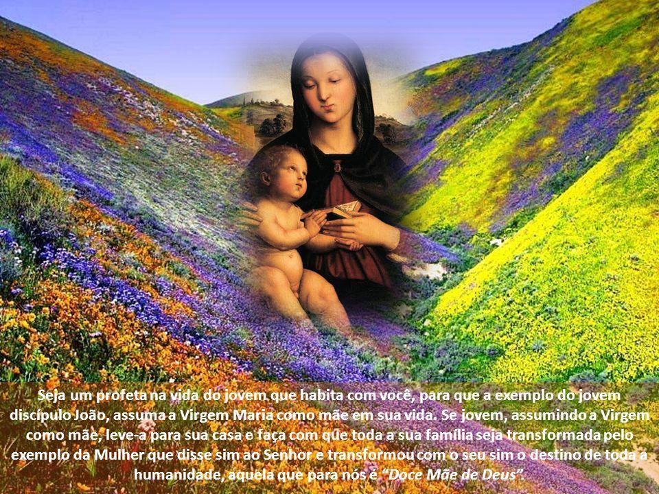 Lembremo-nos que também, na hora da dor, Nossa Senhora manteve uma posição de firmeza, mesmo com os discípulos se dispersando, ficou a Virgem aos pés