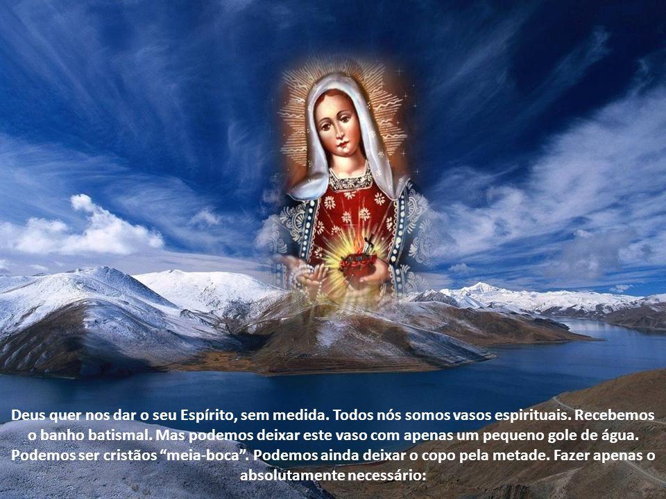 O papa João Paulo II disse no documento Vita Consecrata, dedicado aos religiosos, que aquela nuvem do Tabor é símbolo do Espírito Santo. Ela envolveu