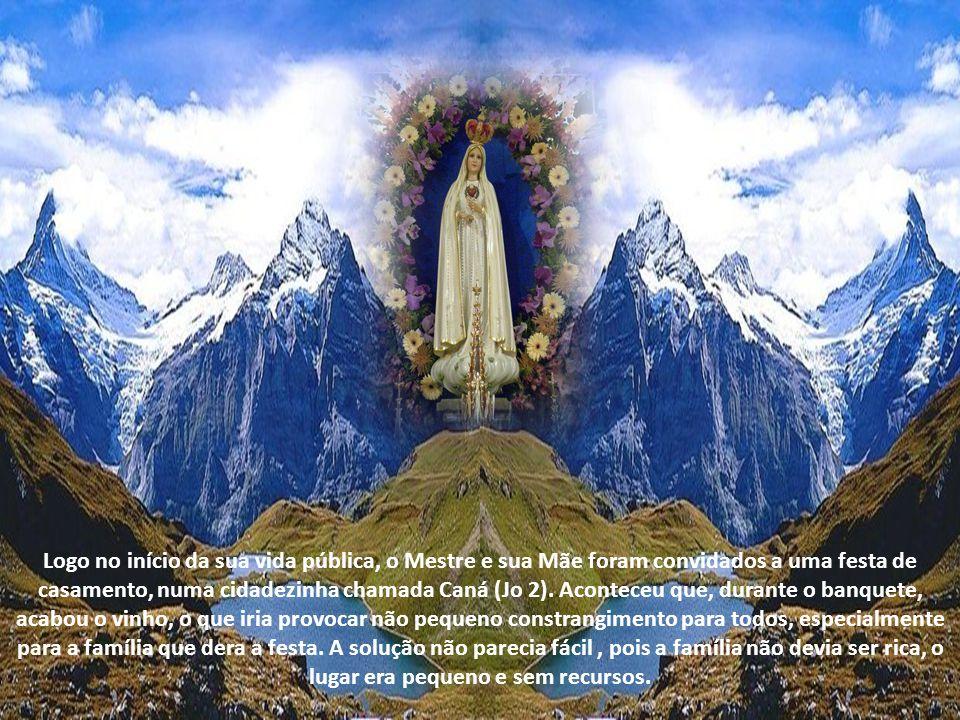 Diz S. Boaventura que Nossa Senhora é a onipotência suplicante. E ele explica que, se Deus tudo pode realizar com o seu poder infinito, Maria tudo pod
