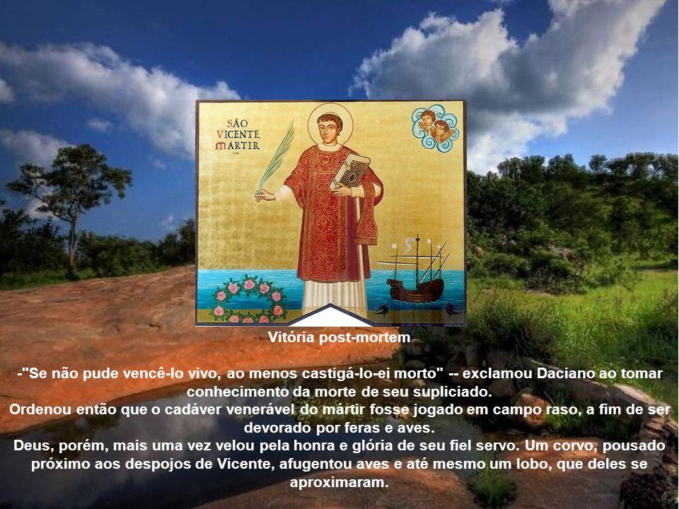 O carcereiro, já convertido ao Cristianismo, cumpriu com gáudio o ditame de Daciano e, ao mesmo tempo, permitiu a entrada dos cristãos no calabouço. E