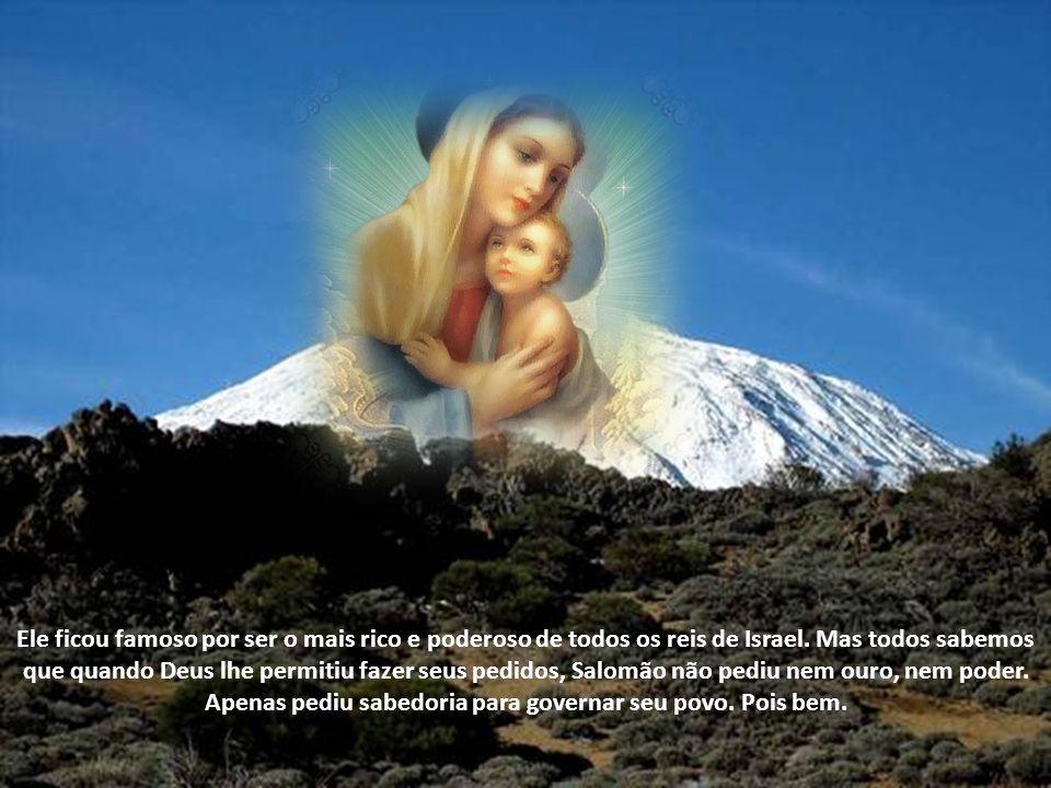 Maria é a Sede da Sabedoria, porque durante nove meses, abrigou em seu ventre a própria Sabedoria Divina, que é Jesus.