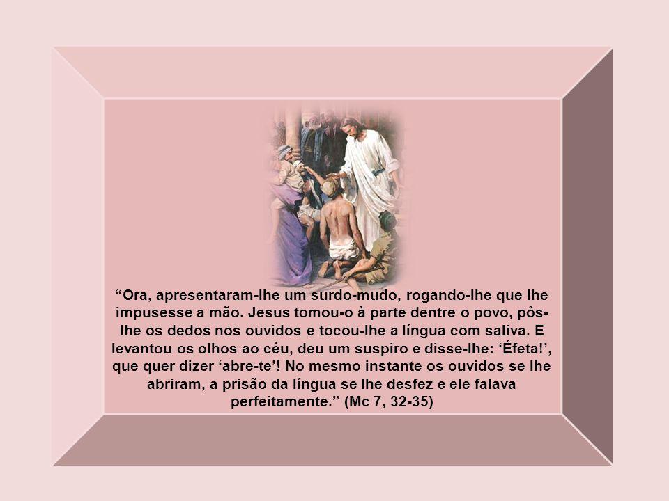 Um dos chefes da sinagoga, chamado Jairo, se apresentou e, à sua vista, lançou-se-lhe aos pés, rogando-lhe com insistência: Minha filhinha está nas úl