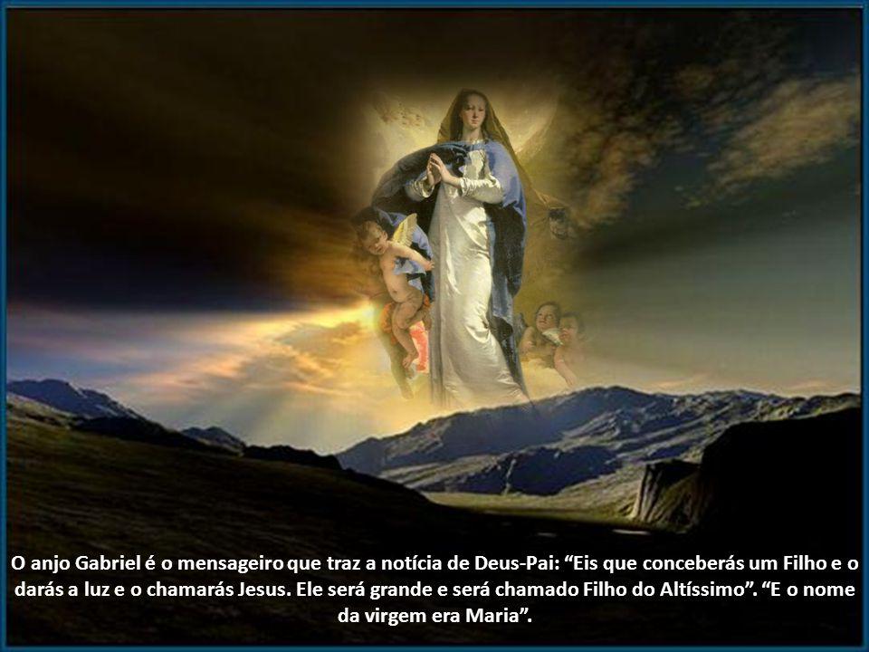 Eis que a virgem conceberá e dará à luz um filho que será chamado Emmanuel, que significa Deus Conosco.
