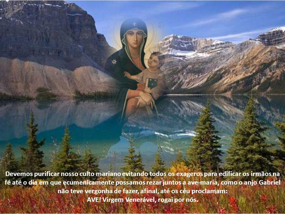 Maria é para nós um exemplo de mulher que sabia ouvir, responder, rezar, obedecer, entregar- se a Deus, interceder, servir, seguir Jesus até a cruz, e