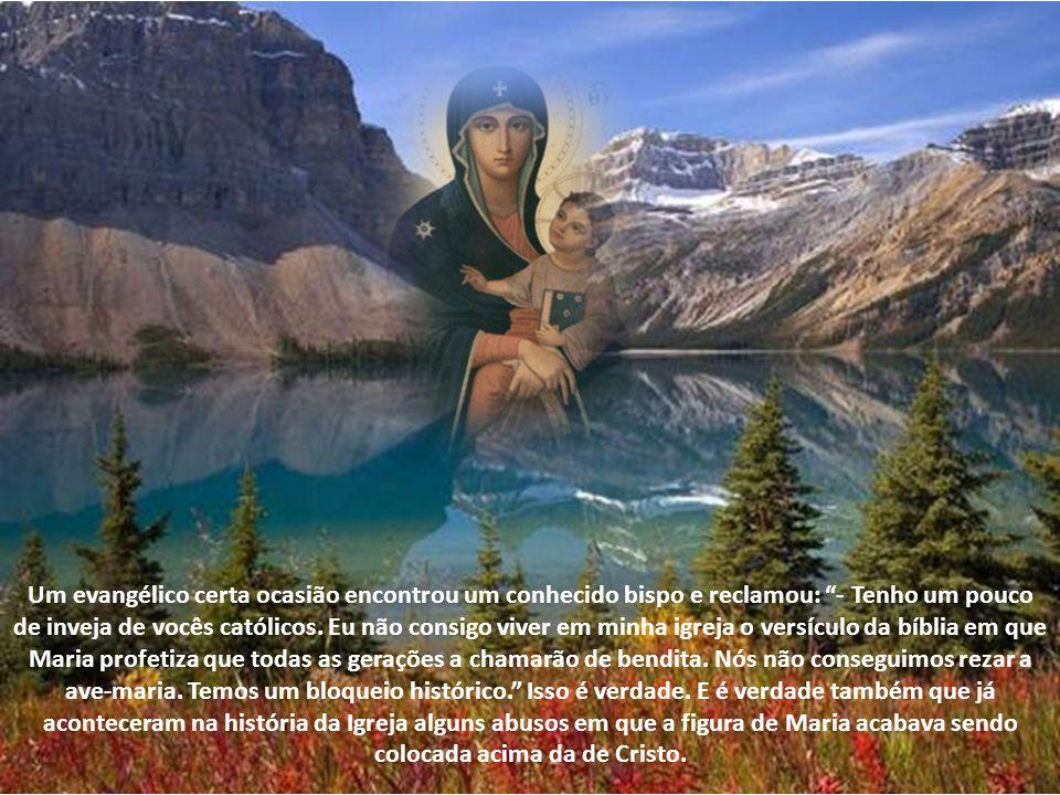 Assim como na Bíblia, no culto cristão, Maria e os santos aparecem como setas que apontam para o endereço da salvação: Jesus. Maria não é ponto de che
