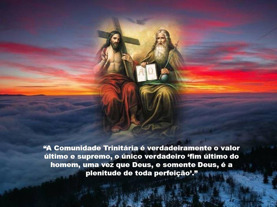 O mistério trinitário é a fonte do mistério de Cristo, fonte da salvação universal, fonte da vida cristã. A graça do Senhor Jesus Cristo, o amor de De
