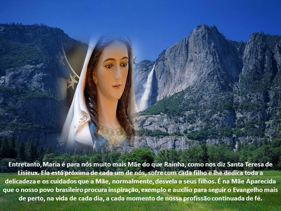 Esta imagem nos inspira a contemplar a pobreza total de Maria. Ela, agora, ostenta uma coroa de ouro e um lindo manto bordado. Mas tudo isso foi obra