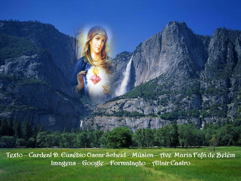 Entretanto, Maria é para nós muito mais Mãe do que Rainha, como nos diz Santa Teresa de Lisieux. Ela está próxima de cada um de nós, sofre com cada fi