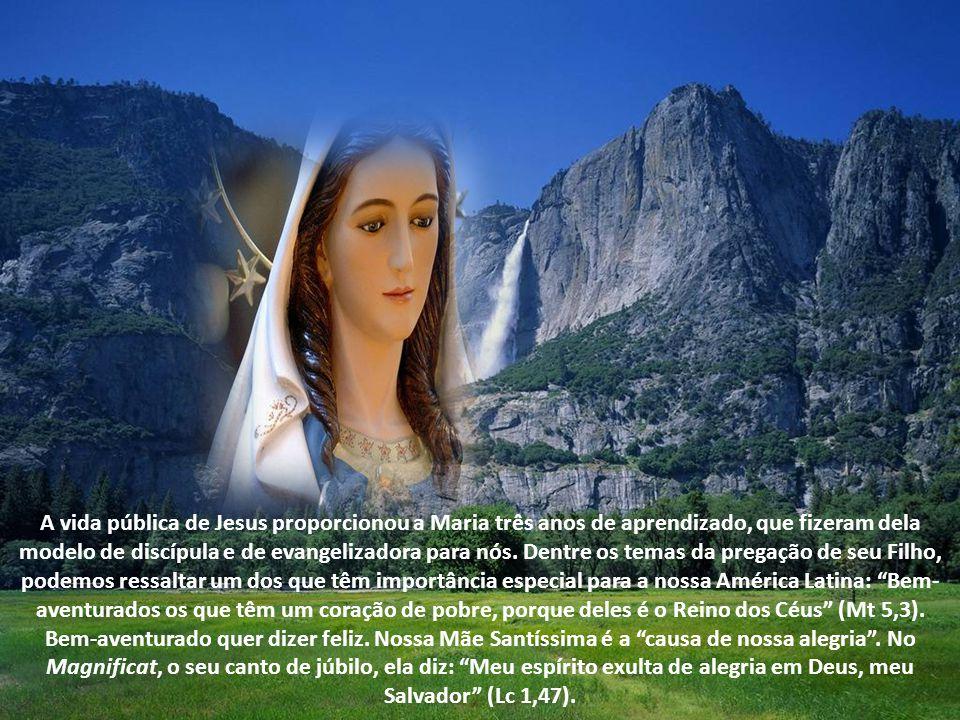 A vida pública de Jesus proporcionou a Maria três anos de aprendizado, que fizeram dela modelo de discípula e de evangelizadora para nós.