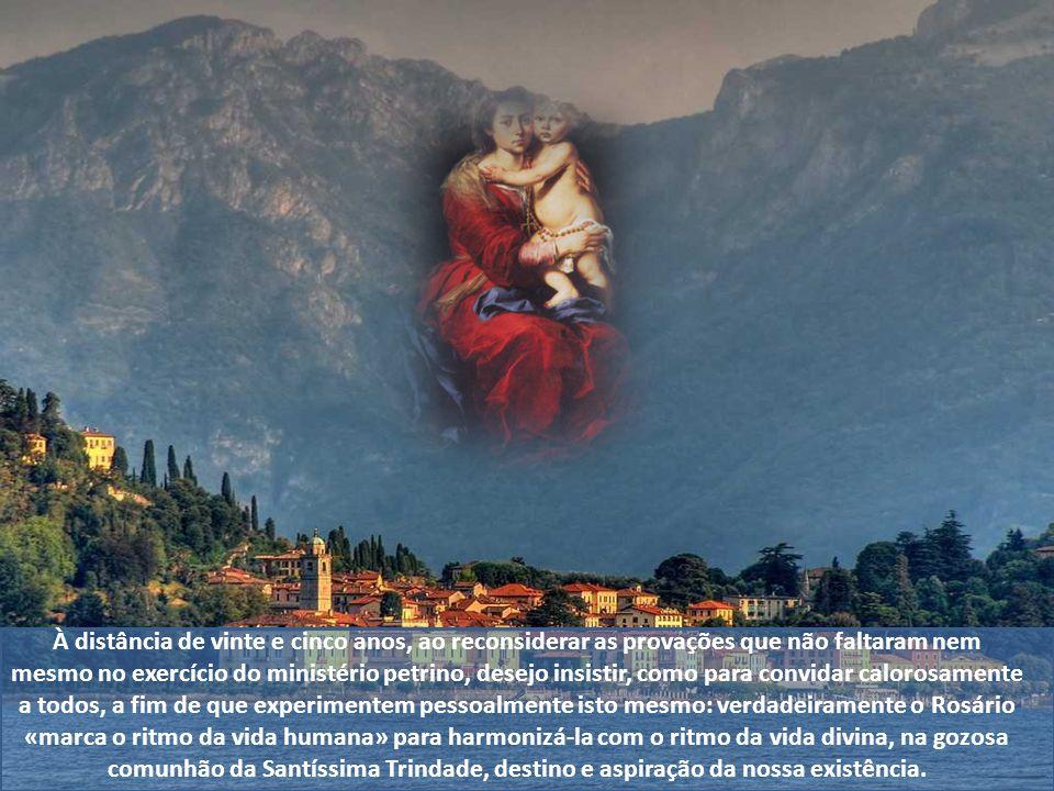 Recitar o Rosário nada mais é senão contemplar com Maria o rosto de Cristo escreve na Carta Apostólica Rosarium Virgnis Mariae. Meditar com o Rosário