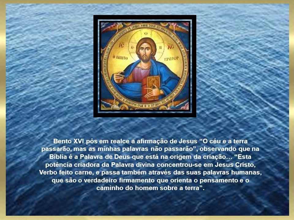De fato, o Filho do homem de que fala o Evangelho, retomando a profecia de Daniel, é o próprio Jesus, que põe em ligação o presente com o futuro. As a