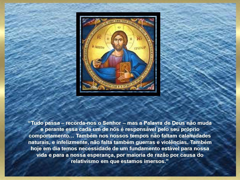 Foi neste contexto que o Papa fez notar que Jesus não descreve o fim do mundo e, quando usa imagens apocalípticas, não se comporta como um vidente. Pe