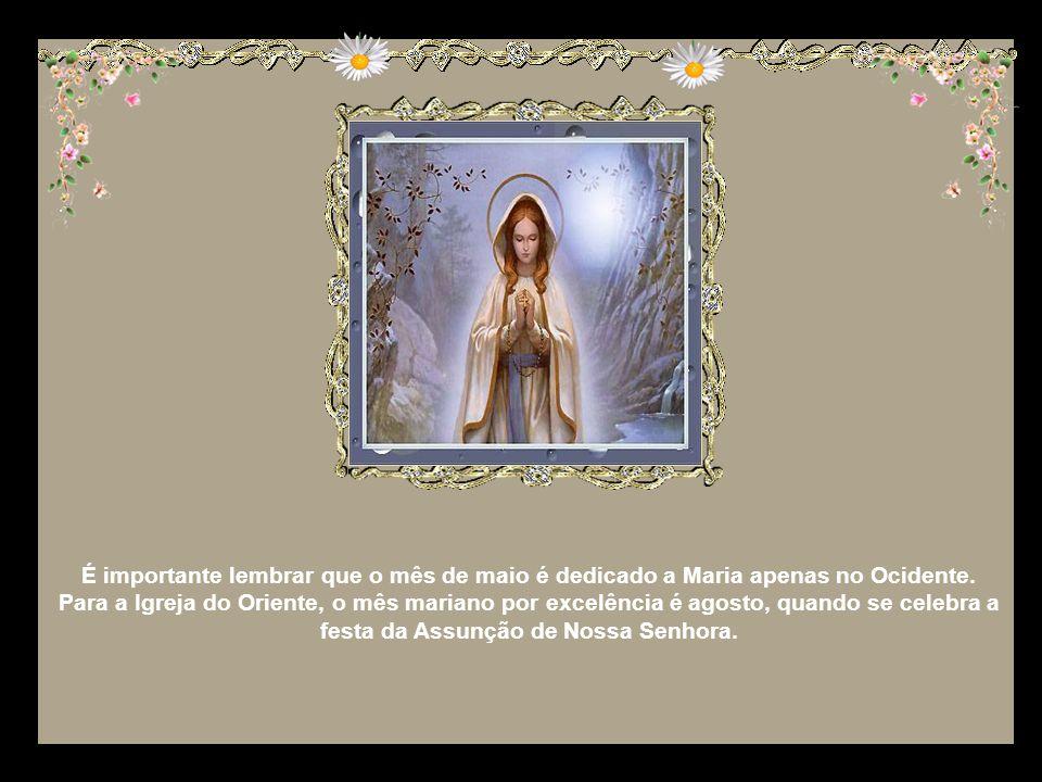 Aos poucos, o mês vai tomando um aspecto mariano que se consolida no séc. XVIII, com a publicação de obras como a do padre jesuíta A. Dionisi, que pod