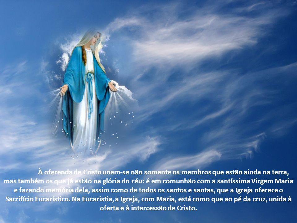 Ao celebrar o ciclo anual dos mistérios de Cristo, a santa Igreja venera com particular amor a bem-aventurada mãe de Deus, Maria, que por um vínculo i