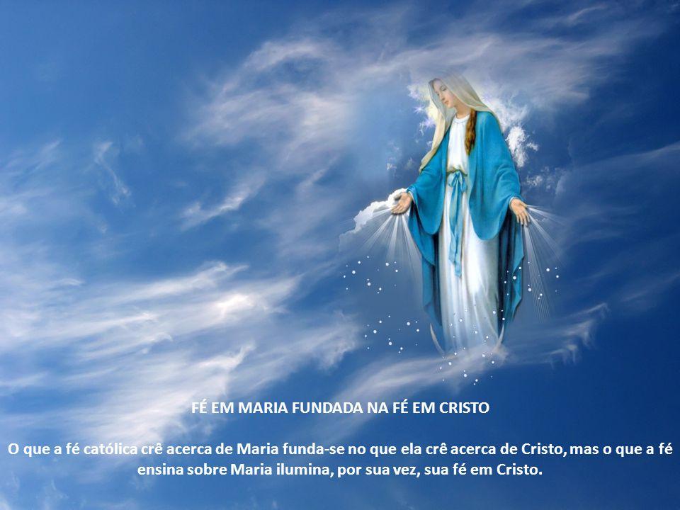 À oferenda de Cristo unem-se não somente os membros que estão ainda na terra, mas também os que já estão na glória do céu: é em comunhão com a santíss