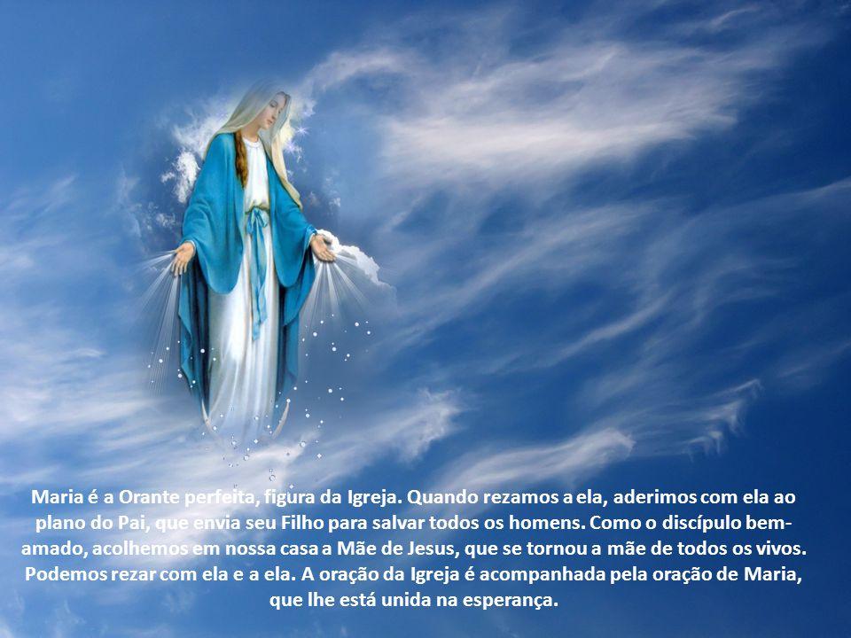 A partir dessa cooperação singular de Maria com a ação do Espírito Santo, as Igrejas desenvolveram a oração à santa Mãe de Deus, centrando-a na Pessoa