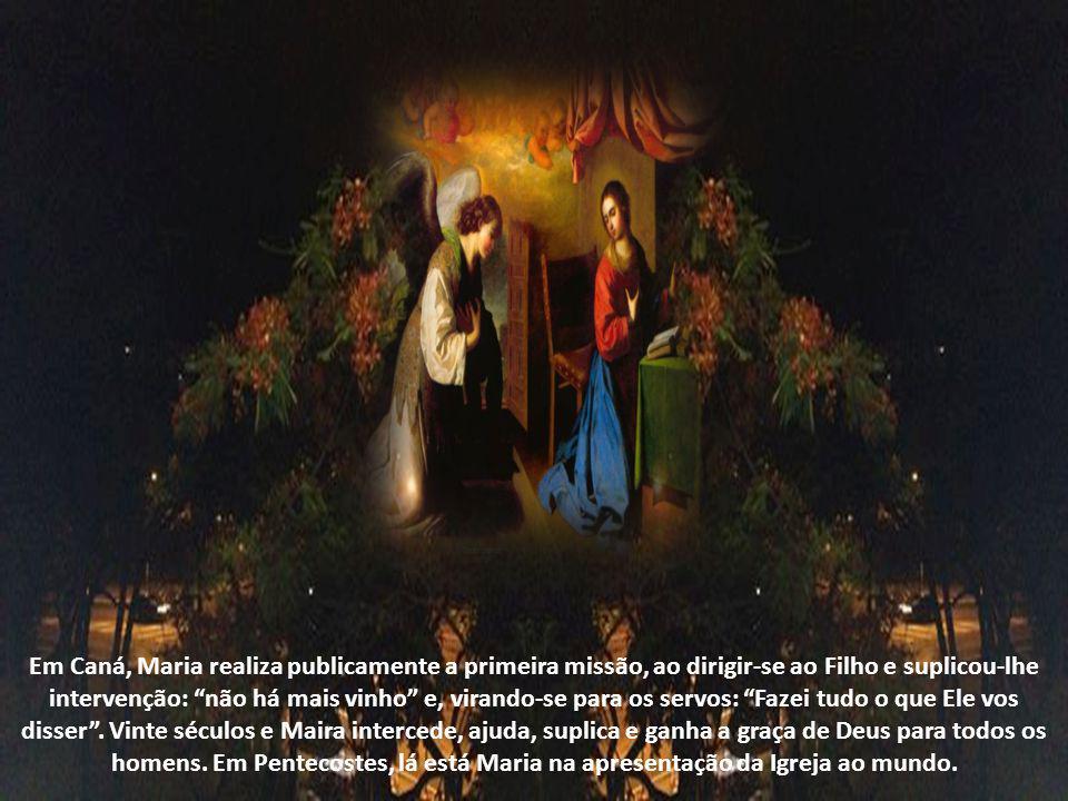 A missão de Maria principiou no Paraíso, quando Deus falou que a mulher esmagaria a cabeça do réptil, como participante do trabalho salvífico. No anún