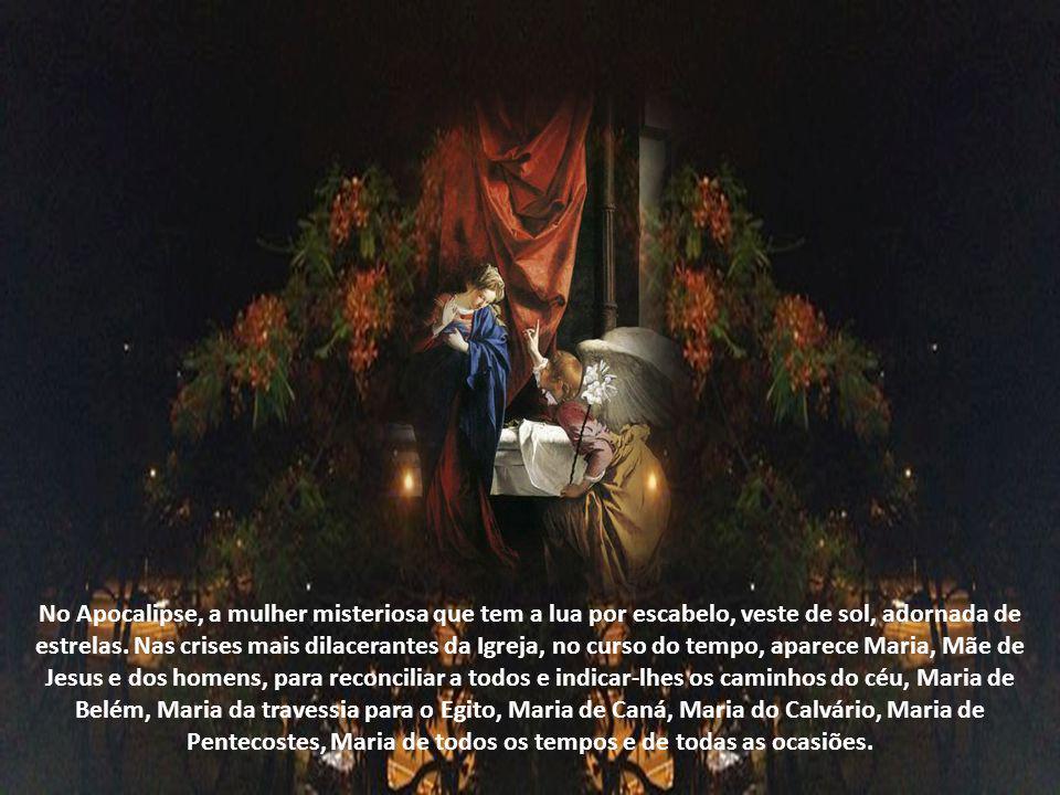 Em Caná, Maria realiza publicamente a primeira missão, ao dirigir-se ao Filho e suplicou-lhe intervenção: não há mais vinho e, virando-se para os serv