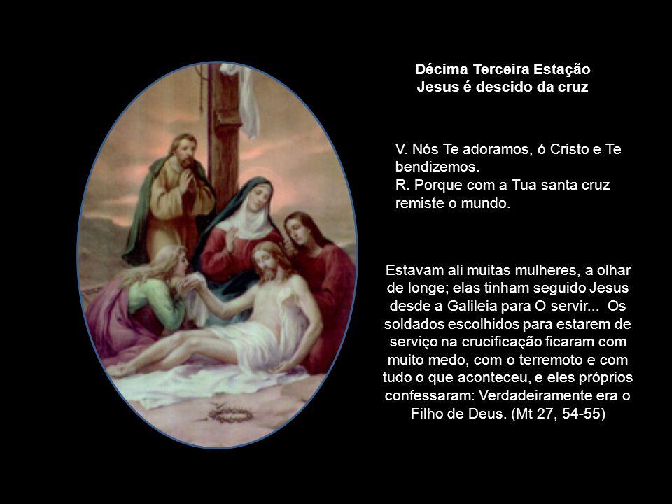 Desde o meio-dia até às três horas da tarde fez-se escuridão em toda a terra. Pelas três horas, Jesus deu um grande grito: