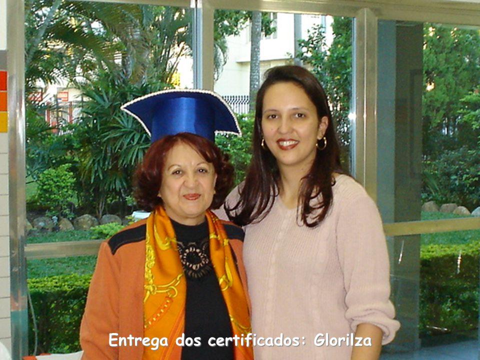 Entrega dos certificados: Glorilza