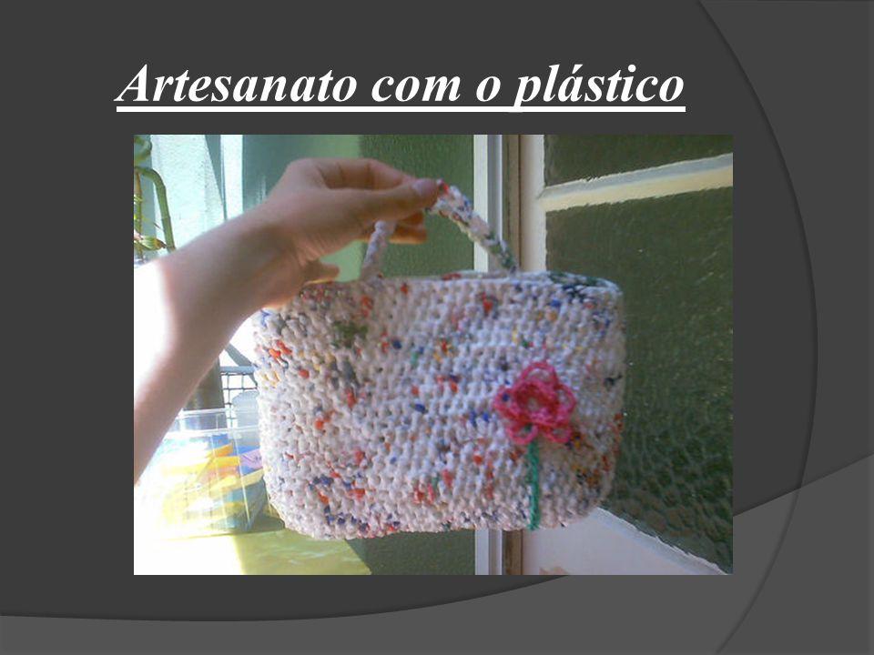 Artesanato com o plástico